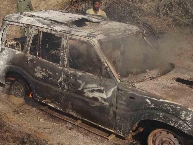 The robbers fled from the scene. Later, their Scorpio was found in flames near a canal at Loham village.