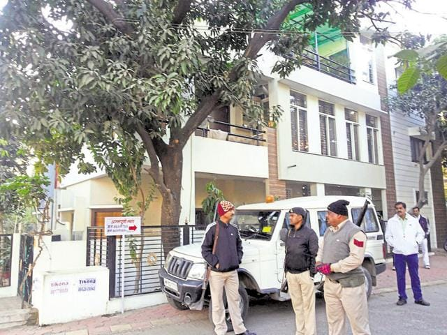 The Lokayukta police on Monday unearthed crores of rupees of unaccounted wealth amassed by a constable posted with the state transport department during a raid at his residence.