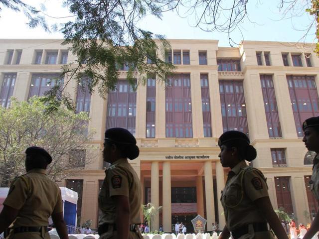Mumbai,Police,Devendra Fadnavis