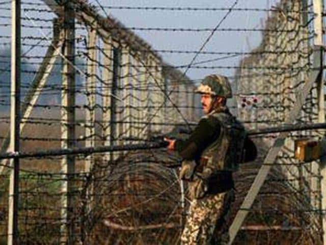 Pak national,BSF,Hussainwala border