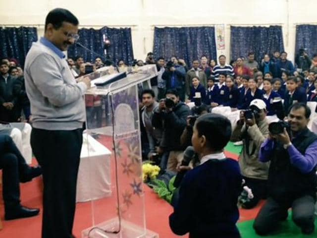 Car Pooling cuts down on number of cars on road, lesser cars mean less carbon,gases & emissions in the air, said Kejriwal