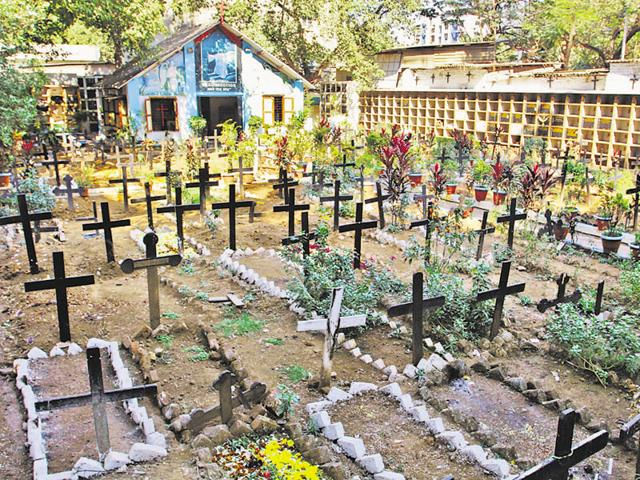 Five parishes in Thane use this cemetery for burials.