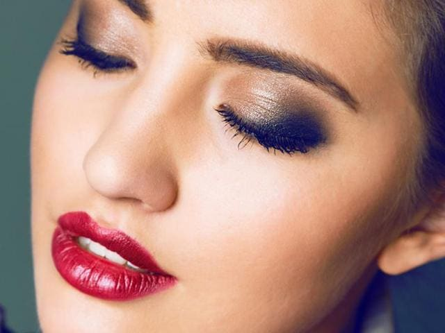 Make-up on fleek: Seven go-to beauty hacks for New Year's Eve ...