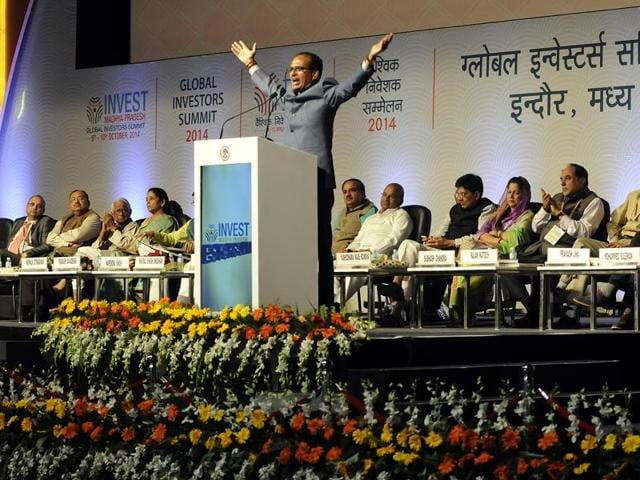Chief minister Shivraj Singh Chouhan with Prime Minister Narendra Modi at the Global Investors Summit-2014.