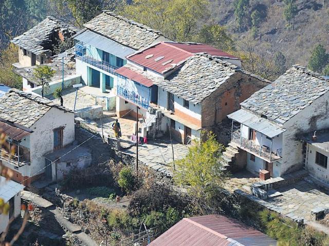 Vimla Devi is left alone in village Bondul of Pauri district.