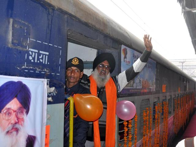 Devotees leaving for Nanded Sahib in Maharashtra by  a special train flagged off under Mukh Mantri Tirath Darshan Yatra scheme in Amritsar.