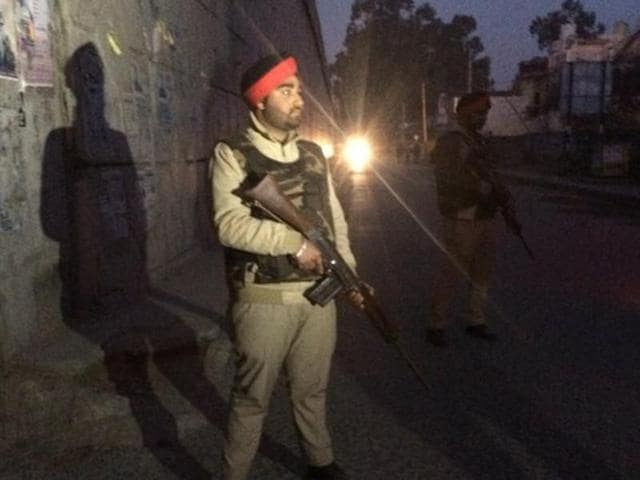 As news about the terror attack near Pathankot Air Force base in Punjab reached Kathua district, army was moved out on the highway to seal it and check all movements on and around the national highway.