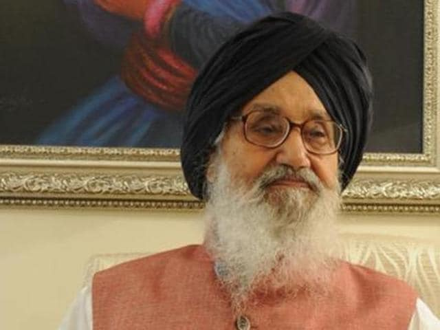 Punjab chief minister Parkash Singh Badal on Saturday urged the Centre to effectively seal the borders with Pakistan.