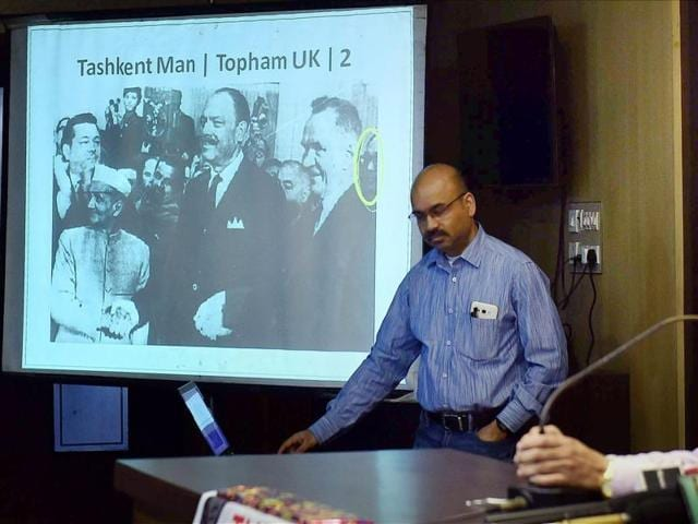 Activists showing a slide at a programme in Kolkata on Friday claiming that Netaji Subhas Chandra Bose was last seen in Tashkent in 1966