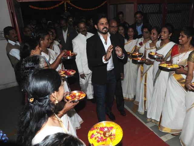 Cricketer Sreesanth interacts with members of the Nair Samaj during the 134th Mannam Jayanti celebrations in Bhopal on Saturday.