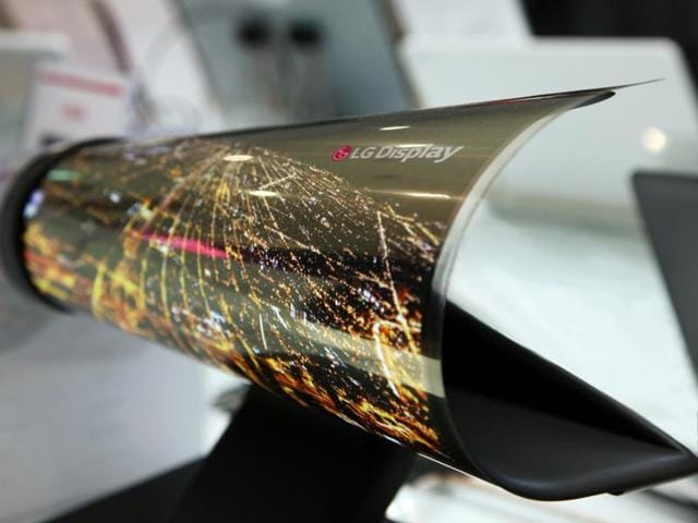 The pioneer in OLED panels had showed off a 18-inch panel in 2014 which could just roll up like a newspaper. The 18-inch panel was only 3 cm across and featured a 1200 by 810 resolution