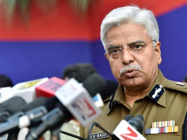 "Speaking his mind at the Delhi Police's annual press conference, Police Commissioner BS Bassi said that if the constitution of India permits then he would choose to ""shoot or hang"" the perpetrators of crime against women on the spot."