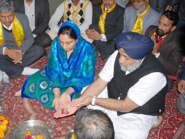 Union cabinet minister of food processing Harsimrat Kaur Badal & Punjab deputy CM Sukhbir Singh Badal worship  in Bangla wali dharmshala in Bathinda on Monday.