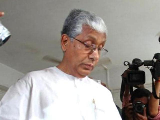 Interestingly, CM Manik Sarkar has clarified that he does not have any Facebook or email account, official or otherwise; nor has he permitted anyone to create any social media profile in his name.