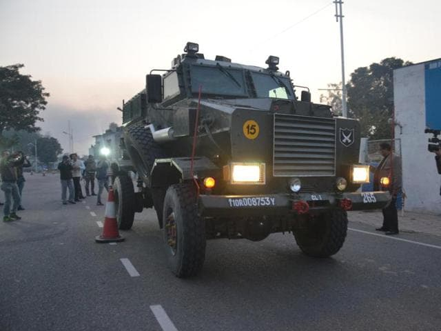 The operations resumed on Monday after the pre-dawn attack on Saturday saw security forces clash with alleged operators of the Jaish-e-Mohammed (JeM) till Sunday evening.(Sameer Sehgal/ Hindustan Times)