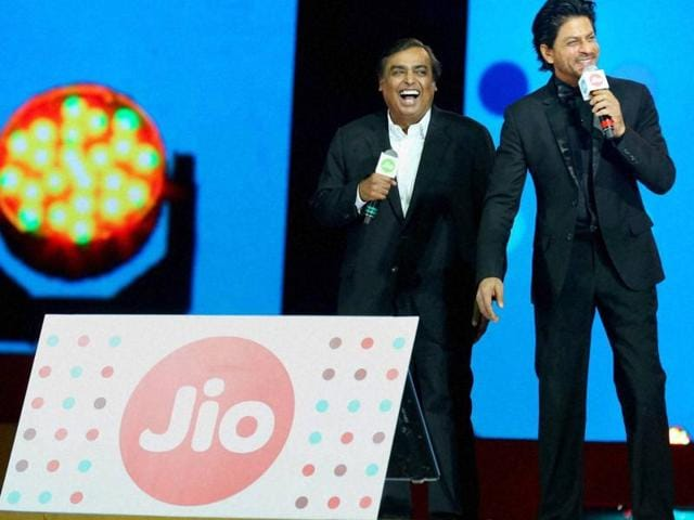 The arrival of 4G services in the country means that the elder Ambani jumps into a mature market in which connectivity is not the real issue, but how the overall business model works.
