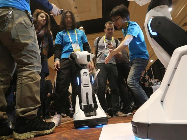 CES 2016  is taing place in Las Vegas with companies making their most important announcements of the year for a peek into the tech in 2016.