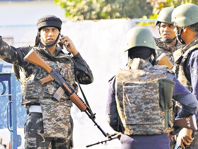 Pathankot airbase attack,Heavily armed terrorists,Pathankot