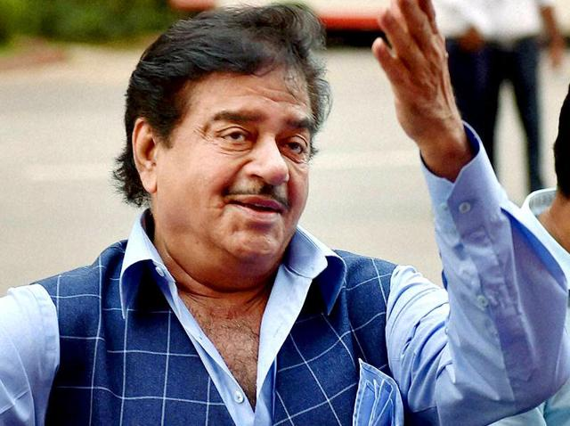 BJP MP Shatrughan Sinha's biography is set to enthral both Indian politicians and observers, a testimony to his penchant for making controversial comments and his ties that span the political spectrum.