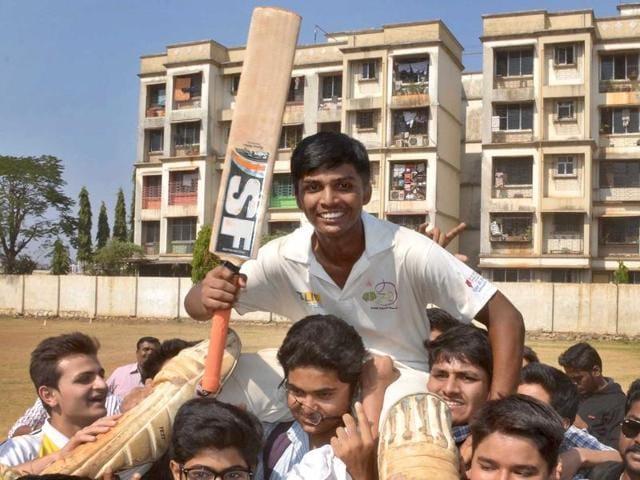 Under-16 Mumbai cricketer Pranav Dhanawade,1000 runs in an innings,AEJ Collins