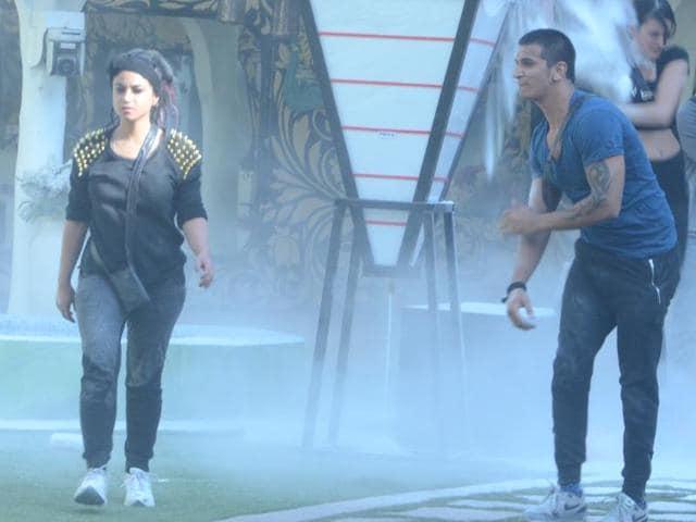 Priya Malik and Prince Narula inside Bigg Boss 9 house.