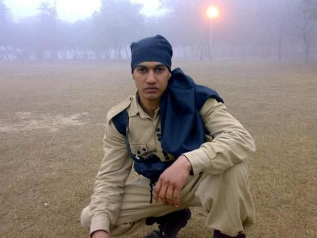Constable Anand Khatri, a resident of Najafgarh in Southwest Delhi, was part of the raiding party that went into the building to apprehend the suspect