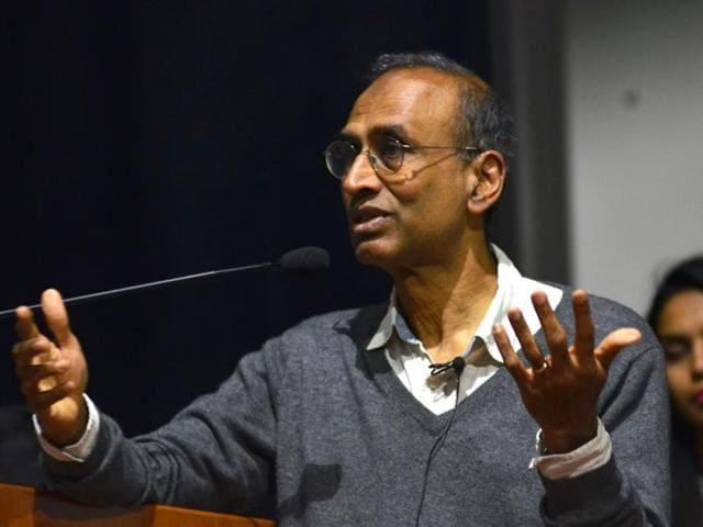 Nobel laureate Venkatraman Ramakrishnan speaking at a Panjab University seminar in Chandigarh on Tuesday.