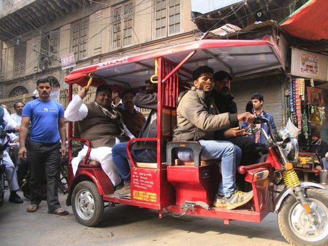 electric rickshaws,Jabalpur City Transport Services Limited,National Urban Livelihoods Mission