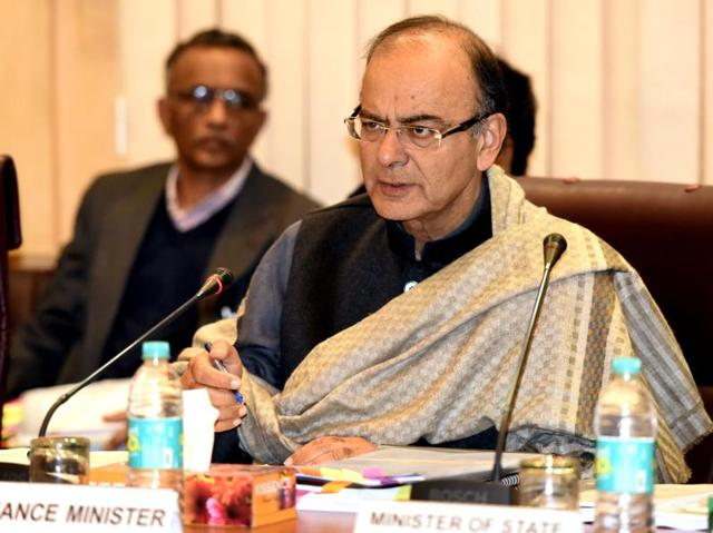 Union finance minister Arun Jaitley holds the pre-Budget Consultation Meeting with representatives of industry and trade groups in New Delhi on Wednesday.(Mohd Zakir/ HT Photo)