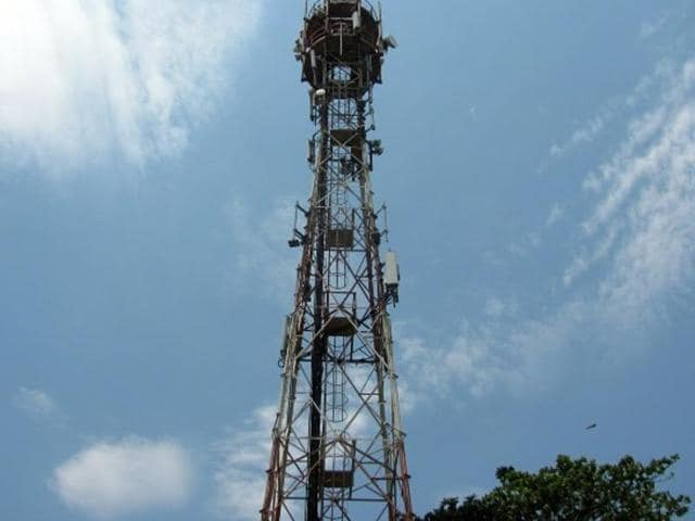After jostling with differential pricing, the country's telecom watchdog Telecom Regulatory Authority of India (TRAI) continues to fight telecom companies (telcos) over the issue of call drops and the compensation rule it imposed on them