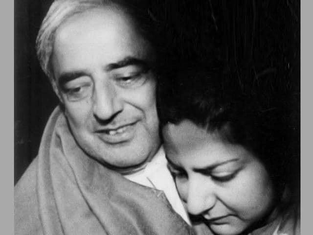 Then home minister Mufti Mohammed Sayeed with his daughter Rubaiya Sayeed after she was released by militants in 1989.