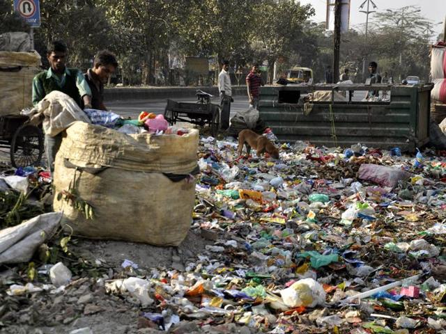In Jabalpur, about 450 metric tonnes of garbage is generated from both household and commercial sources.(File photo)