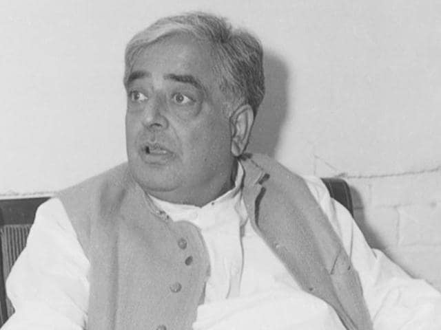 A 1989 photo Mufti Mohammad Sayeed during an interview.