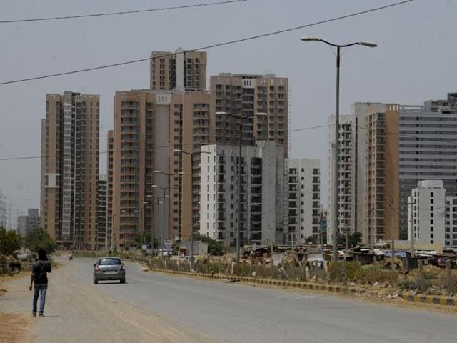 In 2015, sales dwindled, there were fewer new launches,  prices fell and overall sentiments nosedived in Gurgaon.