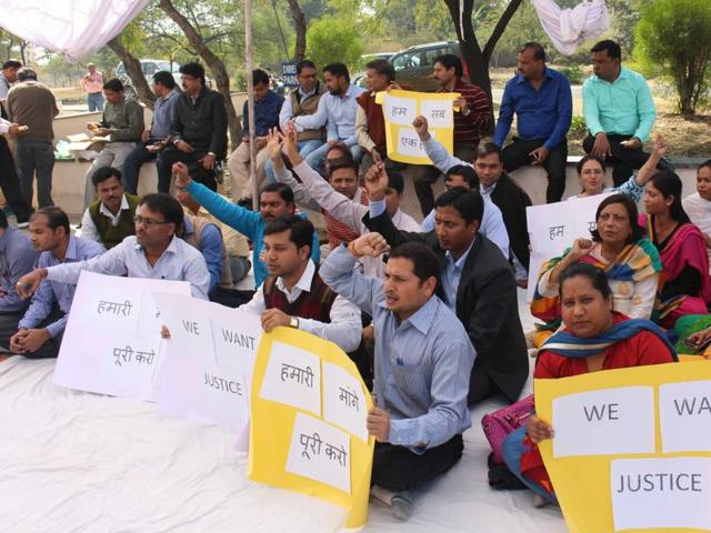 Assistant professors at the Maulana Azad National Institute of Technology stage a dharna on Thursday.