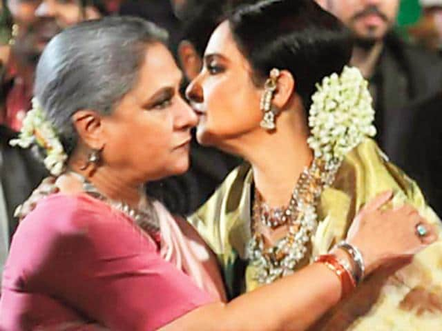 When Rekha and Jaya Bachchan came face to face and hugged