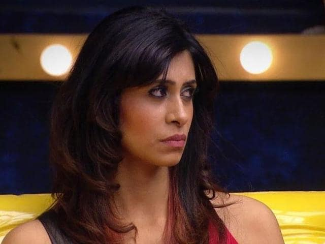 Kishwar, who was in a neck-to-neck battle with Prince Narula in the Ticket to Finale task, gave it up in its last leg and walked out of the house with a good sum of money.