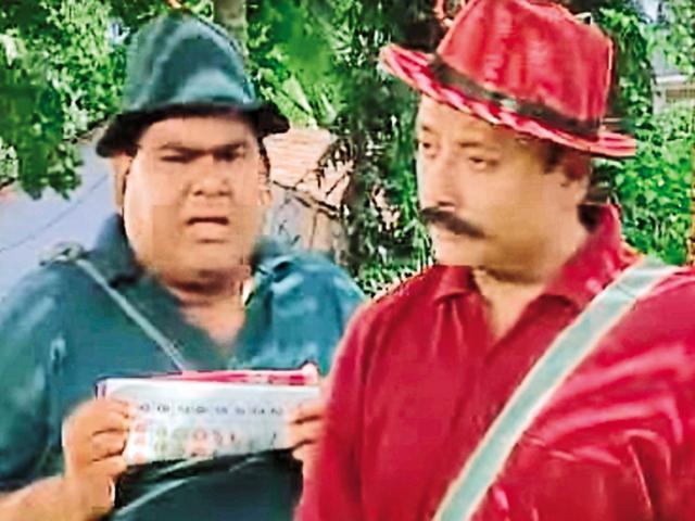 Satish Kaushik and Pankaj Kapoor as Nonie and Neetu