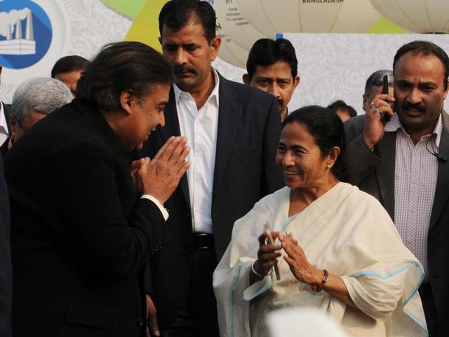 West Bengal chief minister Mamata Banerjee has urged business leaders to invest in the state fearlessly.