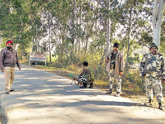 Senior superintendent of police (SP) Gurpreet Singh Toor told HT that personnel of the army, the local police, the Border Security Force and the Israel-trained SWAT rushed to Tibri after a youth claimed to have seen the two terrorists.