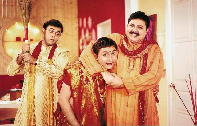 Sumeet Raghavan, Rajesh Kumar, Satish Shah in a typically crazy scene in Sarabhai vs Sarabhai.;