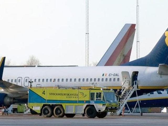The check-in area and baggage hall of the departure terminal at the Skavsta Airport were evacuated after suspicious powder  was found.