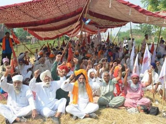 Various farmers' bodies on Sunday said they will gherao Punjab chief minister Parkash Singh Badal's ancestral village, named Badal, in Muktsar district between January 22-24.