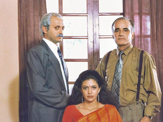Yatin Karyekar, Mandira Bedi and Amar Talwar in TV serial Shanti.