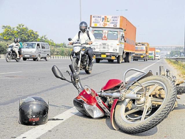 Delhi-Gurgaon Expressway,road accidents,traffic police