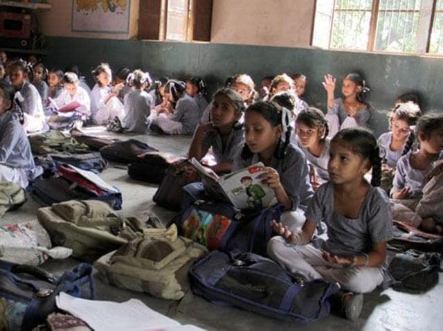 Government schools,Primary education,Literacy