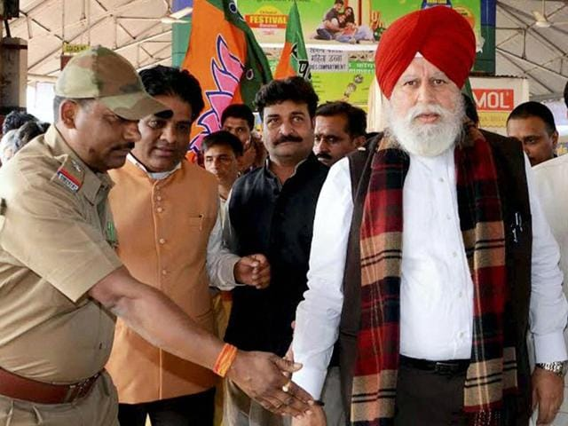 BJP MPs SS Ahluwalia and Bhupendra Yadav talk to media on their arrival at Howrah Station on Monday after they were not allowed to visit violence-hit Kaliachak in Malda district.