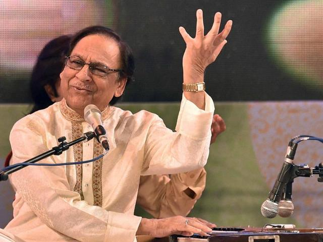Ghazal maestro Ghulam Ali performs in Kolkata on Tuesday, for the first time after his Pune and Mumbai concerts were cancelled last year.