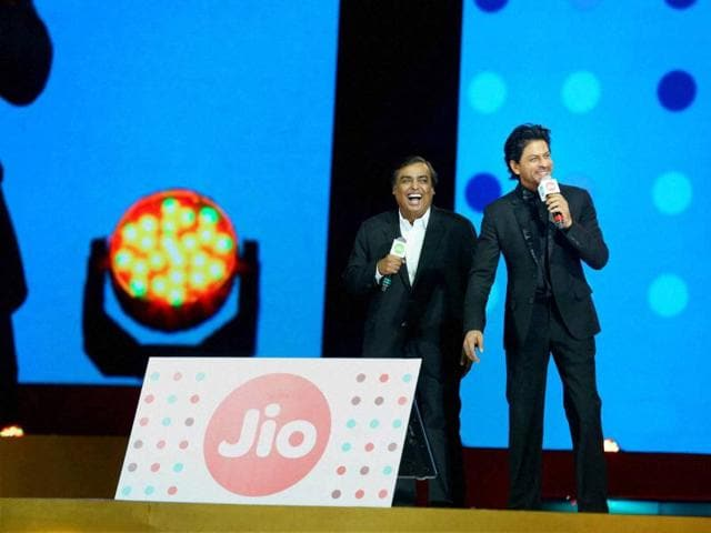 All you need to know about the PIL against 4G licences to Reliance Jio