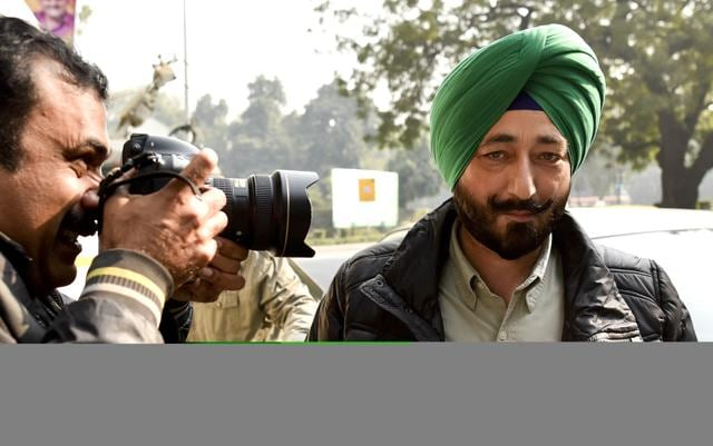 Gurdaspur Superintendent of Police Salwinder Singh arrive NIA office at Jai Singh road in New Delhi, India, on Tuesday, January 12, 2016.